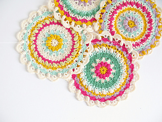 _emma_lamb_-__spring_fling_flower_mandala_-_7_small2