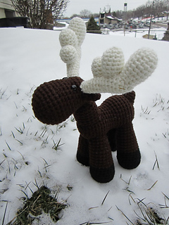 Crocheted_moose_small2