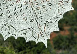 Lotusshawl-w-detail_small2