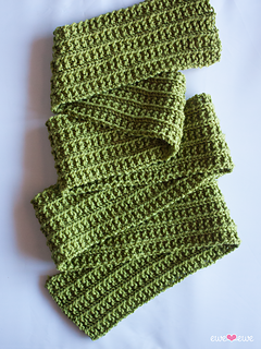 132_wainscot_scarf_fold_small2