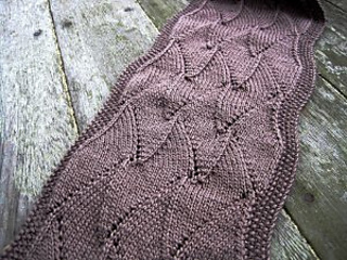 Shark-tooth-scarf_small2