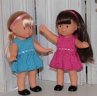 Bell-skirt-dress-on-dolls-3_small2