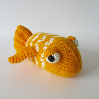 George_the_goldfish_img_0768_small2