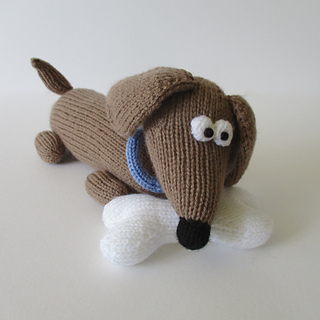 Bangers_the_sausage_dog_img_0368_small2