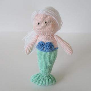 Marina_the_mermaid_img_1828_small2
