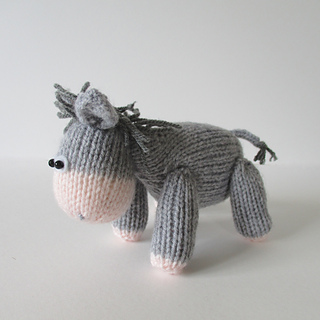 Bobbin_the_donkey_img_2104_small2