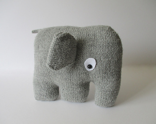 Elephant_cushion_img_3774__2__small2