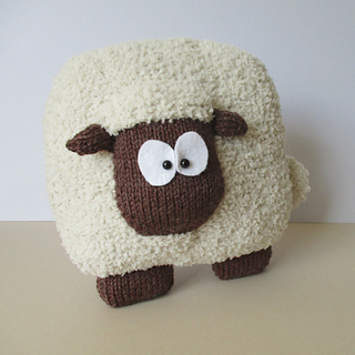Sheep_cushion_img_3814_small2
