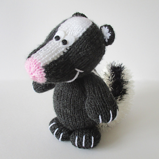 Cyril_the_skunk_img_4065_small2