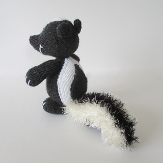 Cyril_the_skunk_img_4032_small2