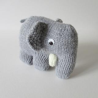 Hatty_the_elephant_img_4653_small2