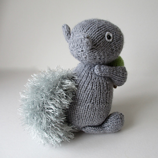 Finsbury_squirrel_img_2080_small2