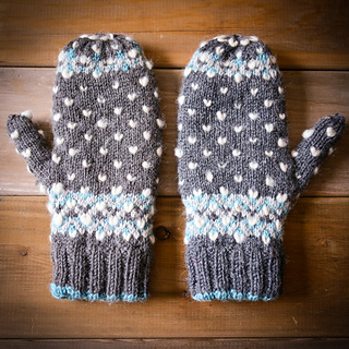 Icy-trails-mitts-7_small2