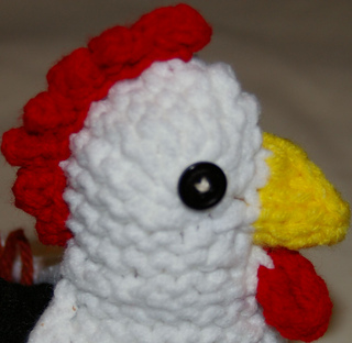 Knitted_version_cluck_clutch_head_close_up_small2