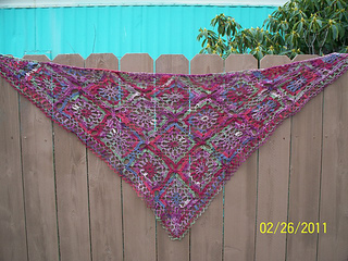 Happy_shawl_finish_small_small2