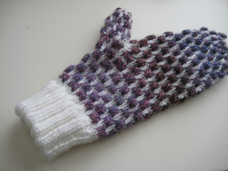 Stained_glass_mittens_003_small2
