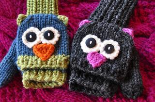 Fingerless_knitted_animal_gloves_small2