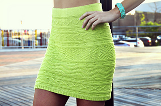 Shes_electric_aztec_pattern_knitted_bodycon_skirt_knitting_pattern_4_small2