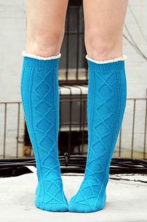 Diamond_in_the_ruffle_cable_knee_high_socks_knitting_pattern_1_small2