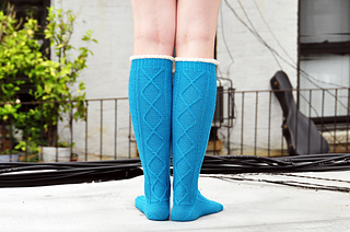Diamond_in_the_ruffle_cable_knee_high_socks_knitting_pattern_4_small2