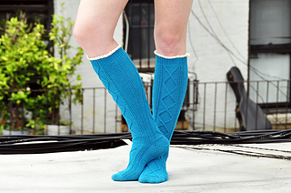 Diamond_in_the_ruffle_cable_knee_high_socks_knitting_pattern_3_small2