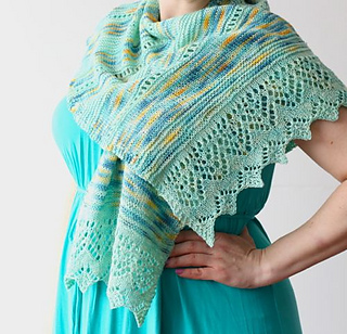 Molto_bella_shawl_1_small2