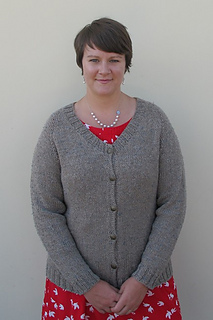 Free Plus Size Knitting Patterns : Ravelry: # 287 Plus Size Neck Down Cardigan for Women pattern by Diane Soucy