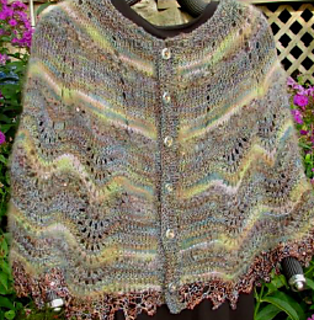 Ravelry: Viennese Capelet - Winter Version pattern by ...