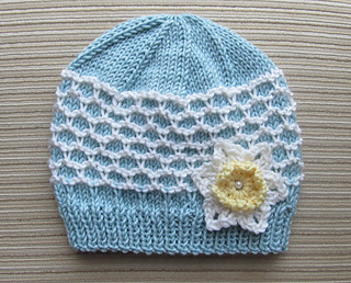 Blue_and_white_hat_with_ridged_slip_stitch_small2