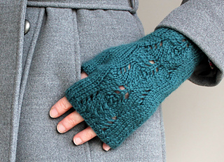 Scots_pine_glove_for_web_small2