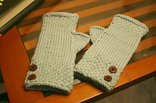 Leah_gloves_small2