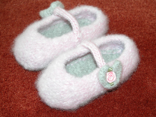 Felt_mary_janes_small2