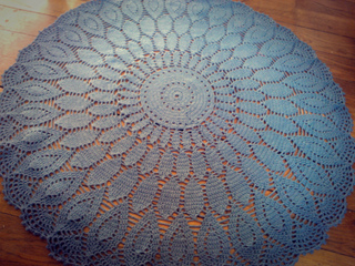 Ravelry mod le tapis en rosace au crochet pattern by - Modele tapis crochet gratuit ...