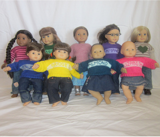 Doll_sweaters_small2