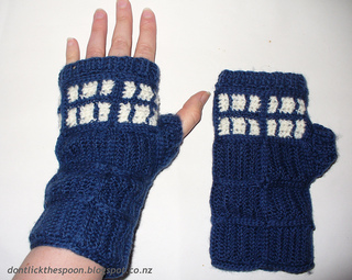 Tardisgloves1_small2