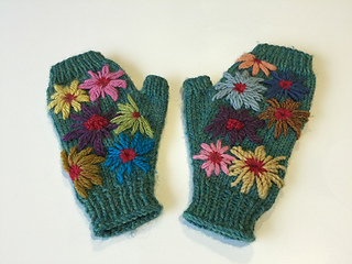 Green_mayrhofen_embroidered_mitts_small2