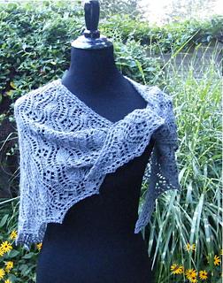Tangled_garden_cover_dscf4010_mod_5-300c_small2