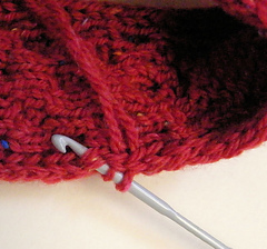 Pick_up_sts_with_crochet_hook_small