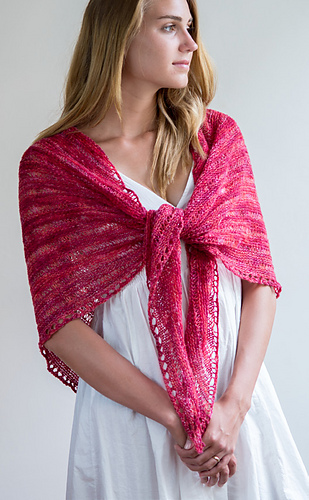 Trianglelaceshawl_front_medium