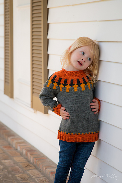 Chandail tricoté pour enfants Wilhelm Tell (Icelandic Yoke Sweater) par Elin Brissman
