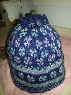 Latvian_mitten_hat_small2