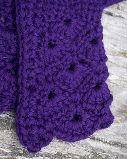14-in-the-thick-of-it_crochet-baby-sweater_100-baby-sweater-patterns_04_small2