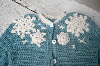 16-snowflake-baby-sweater-crochet08_small2