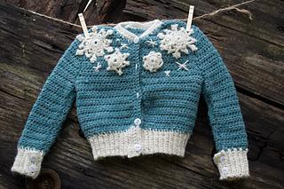 16-snowflake-baby-sweater-crochet05_small2