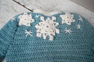 16-snowflake-baby-sweater-crochet09_small2