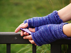 Wood Violet Mitts PDF