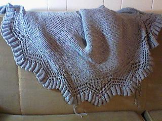 Cowry_shell_shawl_knitting_finished_small2