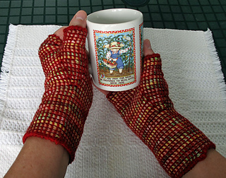 Tunisian_paver_mitts_1_small2