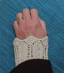 Lace_on_hand_2_small