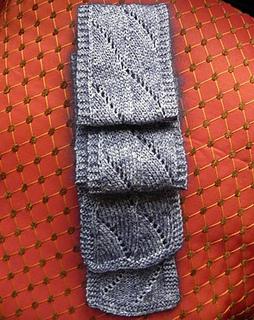 Silky_scallop_scarf2_small2